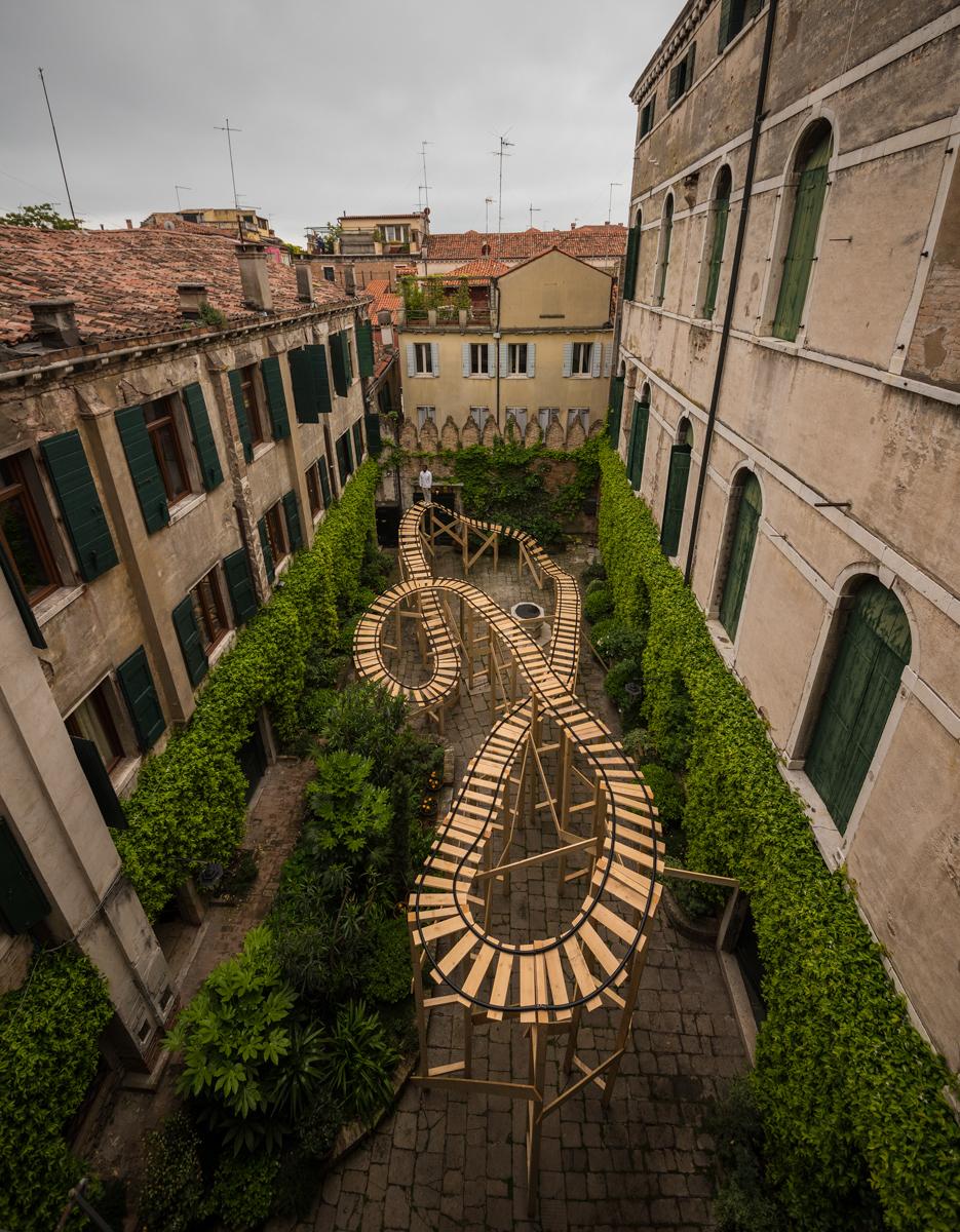 EJ Hill, Pillar, 2017. Palazzo Contarini Polignac, 57th Venice Biennale, Venice, Italy. Wood and PVC. Dimensions variable. Photo by Sergey Illin.