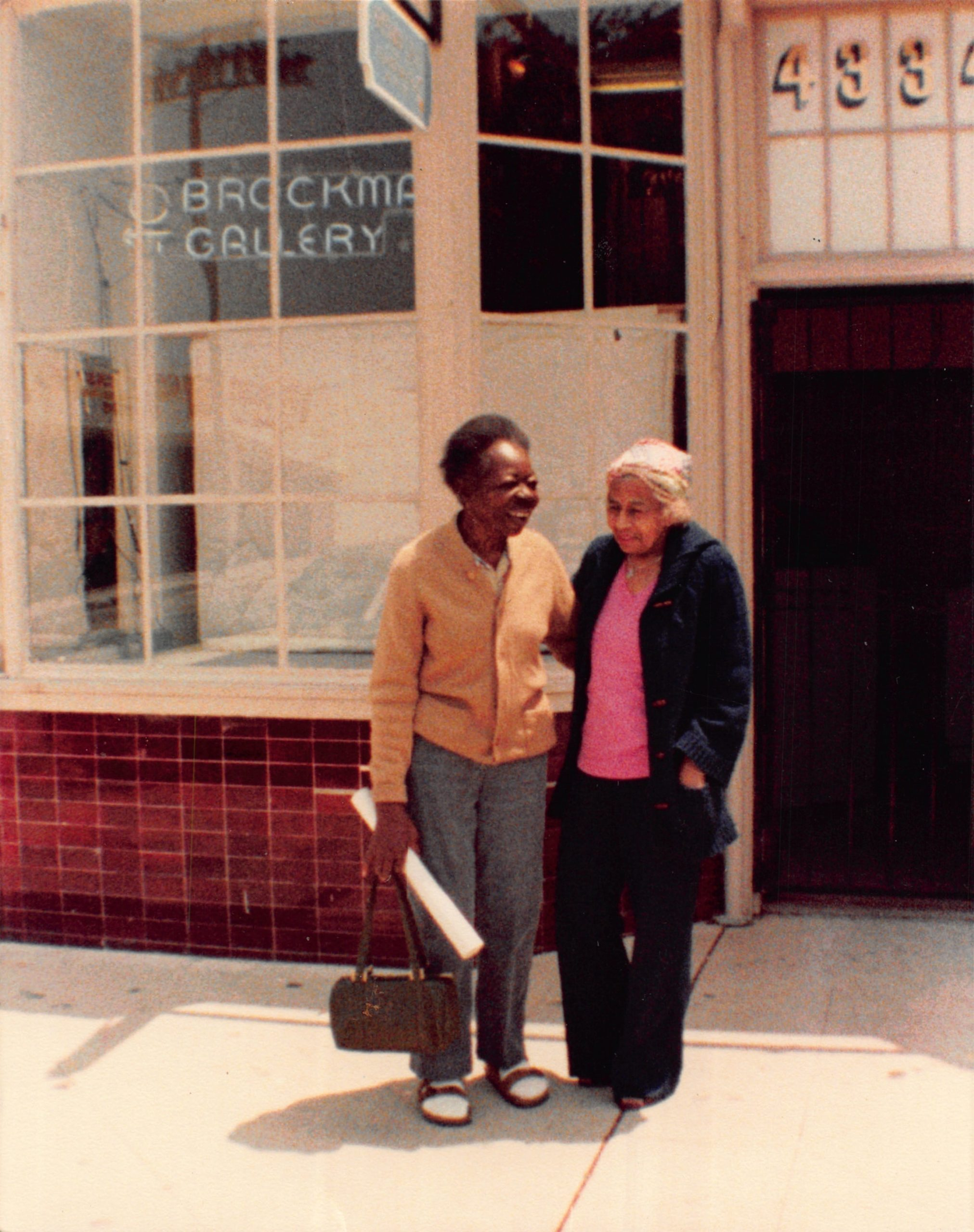 Ruth Waddy and Agnes Davis in front of Brockman Gallery. Photo: Courtesy of Los Angeles Public Library Special Collections.