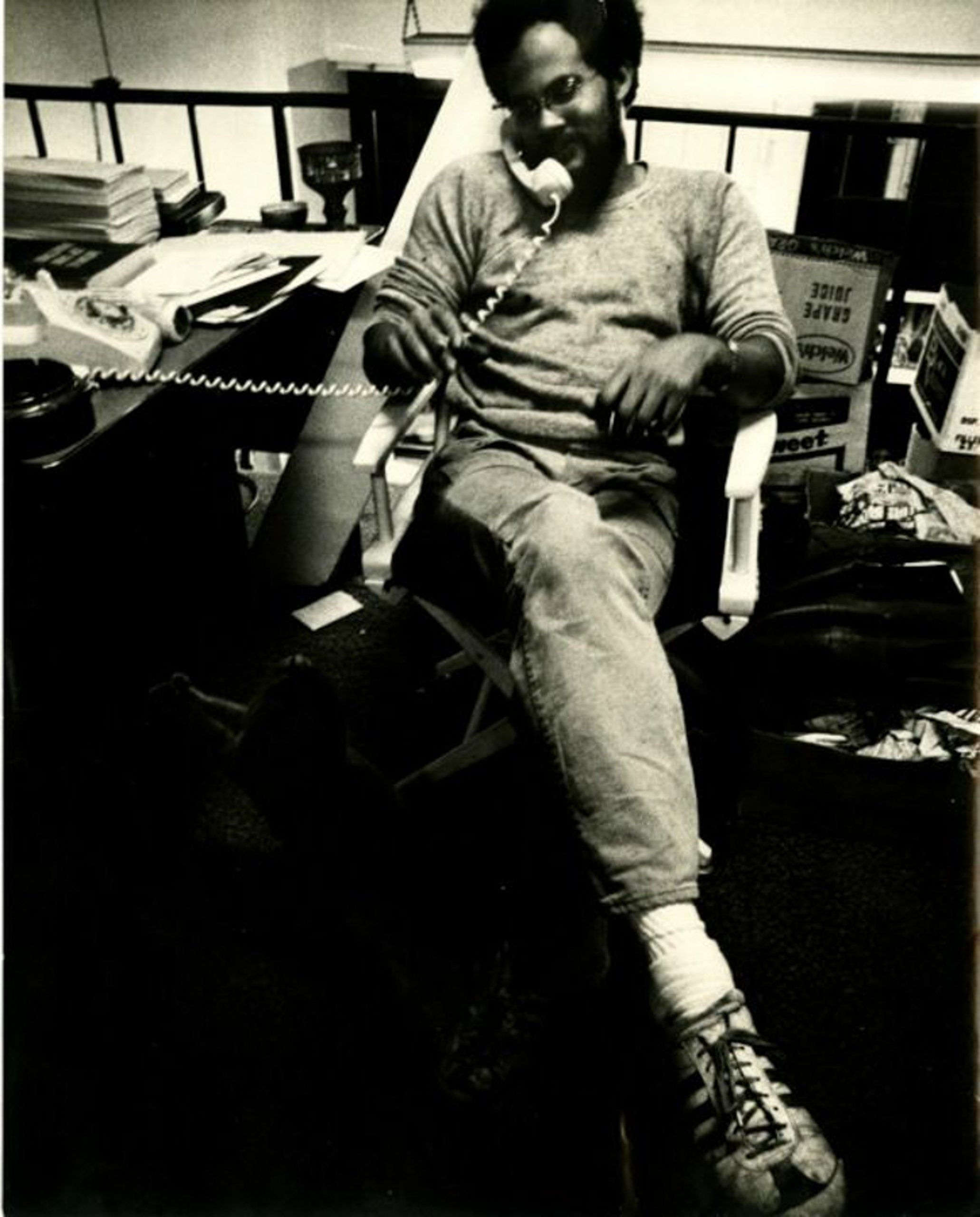 Dale B. Davis working at Brockman Gallery, Los Angeles, CA. Photo: Courtesy of the Brockman Gallery Archive.