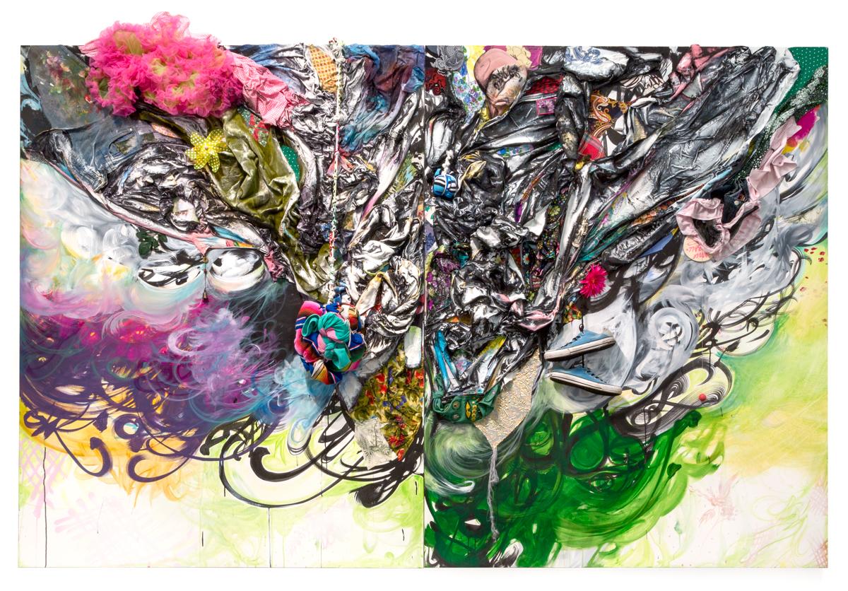 Shinique Smith, Shaped by Light, Shaped by Rainbows, 2017。帆布上的亚克力、墨水、织物、服装和个人物品,84 x 60 x 16 英寸。